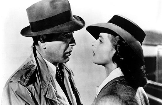 Humphrey Bogart e Ingrid Bergman, caracterizados como sus personajes en Casablanca