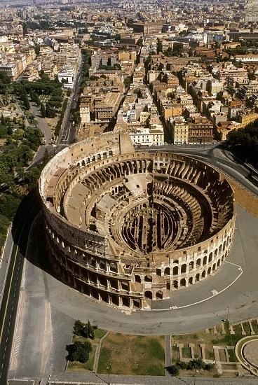 Vista desde el aire del Coliseo romano